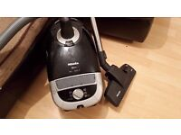 Miele s5210 hoover 2000w spares or repair