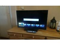 Panasonic 32 inch Widescreen Full HD 1080p 400Hz 3D TV with Freeview HD