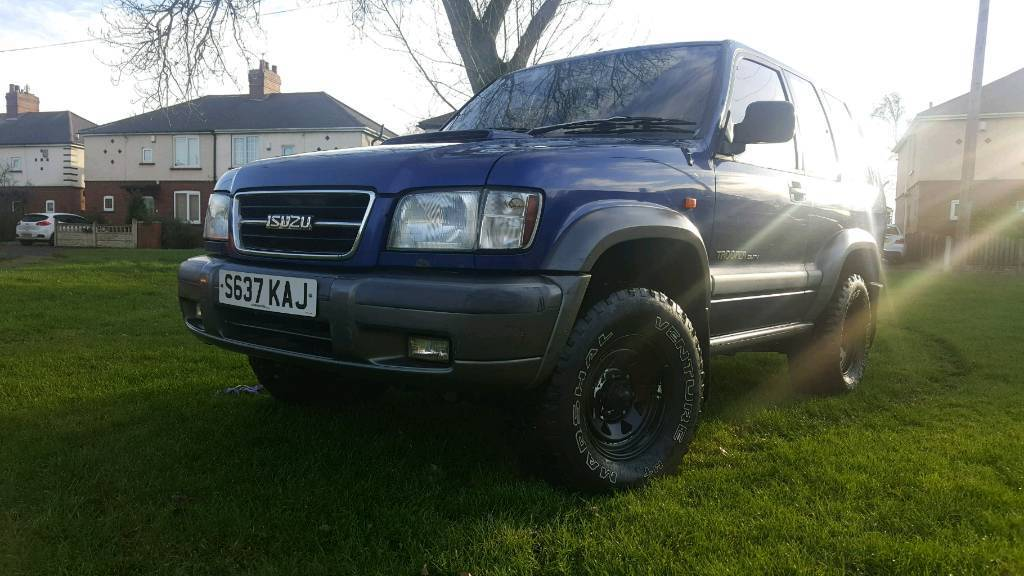 FOR SALE SWAP OR PX 1999 ISUZU TROOPER DUTY SWB 31 TURBO DIESEL 4 LIFT MUD TERRAIN TYRES 4x4
