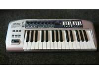 Edirol PCR-30 Midi keyboard