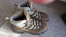 Bergaus Explorer W Trail Gore-Tex Boots Size 5