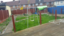5 Bedroom House In Dagenham, RM9. (Large Back Garden w/ patio and shed + 2 bathrooms) + HMO LICENSE