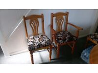 Extendable pine table 4 normal chairs and 2 carver chairs