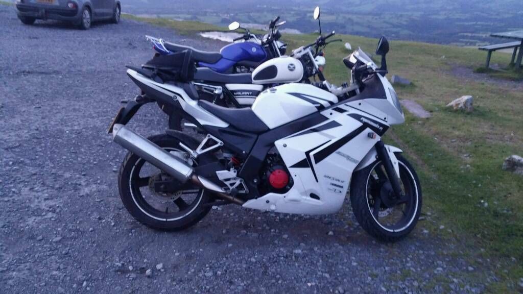 Daelim vjr roadsport 125