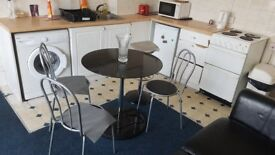 Large One Double-Bedroom Flat to Rent