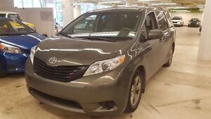 2013 Toyota Sienna 7-Passenger  AC + GROUPE ELECTRIQUE + MAGS +