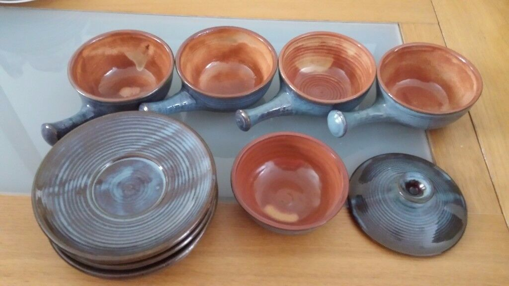 Blue Retro/Vintage soup bowls with handles, saucers & bowl with lid ...