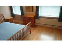Double Room for a single person in town centre shared house.