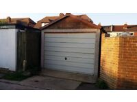 Garage To Rent in a quiet location in Lee-On-The Solent close to the seafront... Dry..Easy Access