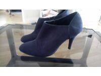George women boots size 40