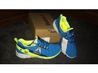 Reebok pump running trainers size 6