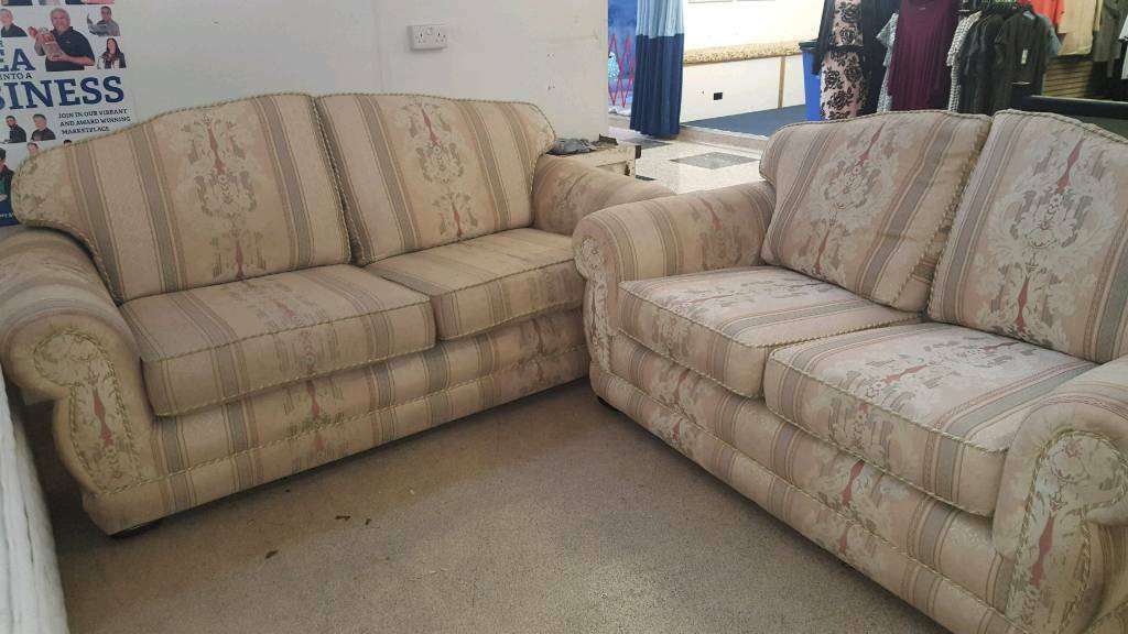 clearance 3 and 2 seater sofas