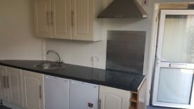 Studio To Let - All Bill Included Package - Pets Allowed - Garden - Suit Mature / Ederley