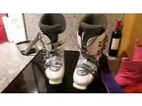Ladies ski boots size 8