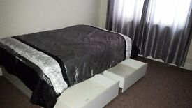 RoomsToLet, Very large£490pm;double£450pm medium£400.WiFi;2mins walk to buses&shops. 6mins tostation