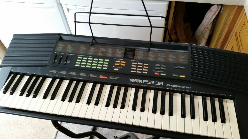 yamaha psr 38 electric keyboard for sale with stand in paignton devon gumtree. Black Bedroom Furniture Sets. Home Design Ideas