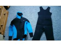 2 Piece Diamond Wetsuit – Really Good Condition