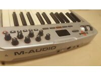 M AUDIO OXYGEN 8 v2 25-Key MIDI USB Keyboard Controller