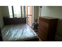 **SHARE ACCOMMODATION!!BILLS INCLUDED!! Single Room Available In Canary Wharf, E14