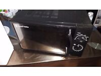 Black Russel Hobbs microwave