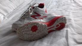 New Balance, Size 8 Cricket Shoes