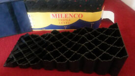 Milenco Triple Level set with Bag - a must even with minimal sloping site