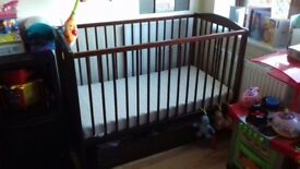 Baby / toddler cot