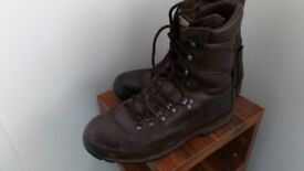Alt-berg army boots brown,size 10,used
