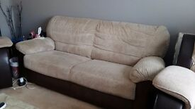 3 SEATER SOFA VERY GOOD CONDITION.