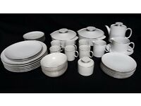 Thomas Medaillon thin platinum band 38 piece dinner service