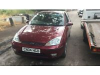2004 Ford Focus Ghia 5dr 1.6 Petrol Red BREAKING FOR SPARES