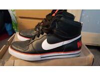 ** Mens big Nike high AC size 10 ** worn twice