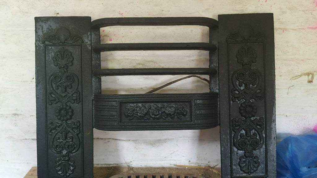 Old cast fire surrondin Bridlington, East YorkshireGumtree - Old fire with grate good conditio