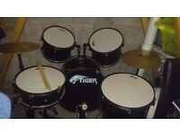 5 piece drum kit for quick sale £65 today only