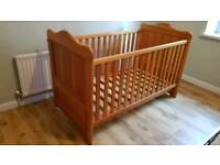 Baby cot/junior bed