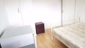 Large Double Room   10 mins Dagenham Heathway St