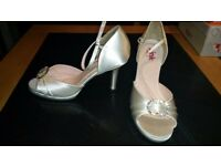 Ivory Satin Bridal Shoes size 5.5 ( 38 )