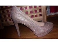 Gorgeous sparkly platformed heels size 7