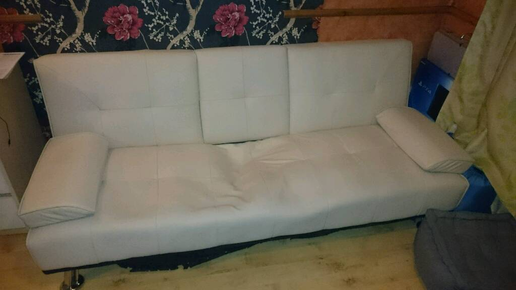 Sofa for freein Carlton, NottinghamshireGumtree - Sofa for free, collection only. It is clean, condition you can see on pictures