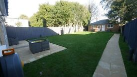 LUXURIOUS 1 BED FLAT IN TOWN CENTRE WITH PRIVATE GARDEN AND PARKING! SHORT OR LONG TERM