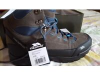 Trespass Male Hiking boots size 8 new