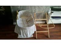 White moses basket with 2 stands