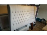 Brand new immaculate biege/brown King size/Queen size Wing back Tufted french