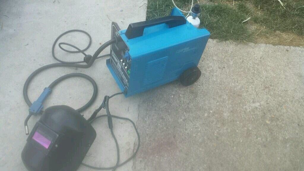 120 amp MIG welder with automatic helmet, gas and wire   in ...