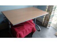 Large desk- height adjustable