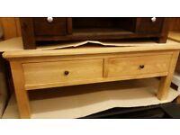 Collection Kingsbury Oak & Oak Veneer Coffee Table (corner damage)
