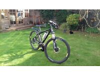 CBOARDMAN RITCHEY 27 gear Full Carbon Fibre Frame Bike. Comes with 2 spare road tyres and tubes.