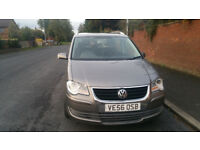2007 Volkswagen Touran Diesel tdi pd top of the range 7 seater family car with parking sensors