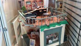 CAFE/BAR DOLL' HOUSE