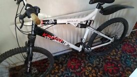 Mountain Bike. Apollo Kanyon. 22 inch Frame. 26 inch Wheels